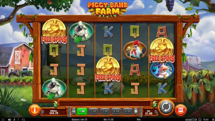 Piggy Bank Farm slot free spins trigger